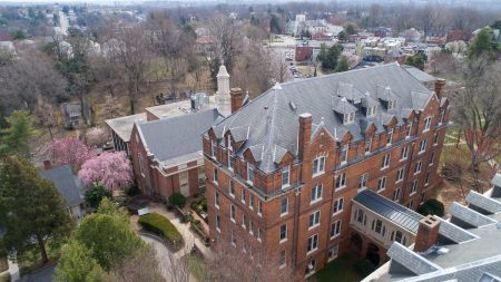 Aerial photo overlooking Moore Hall and the Lipscomb Library