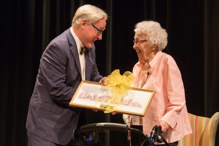 Dorothy Braden Bruce '42 receives the Alumnae Achievement Award