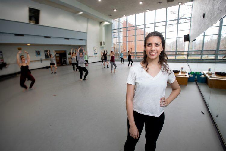 Lauren Taylor '21 in Randolph's dance studio