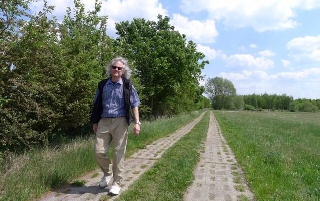 Schwartz walks along the Green Belt in Germany