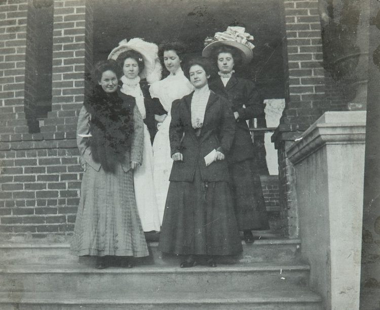 Students dressed in 1920 apparel