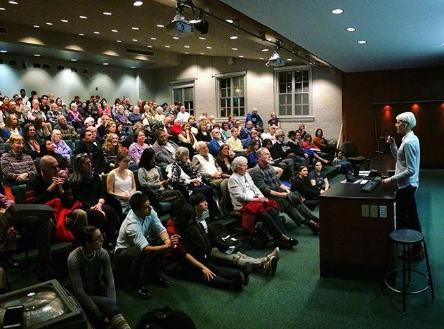 Filmmaker Mo Scarpelli speaks to a packed theater after a screening of her documentary, Frame By Frame, at #RandolphCollege. @framebyframedoc #BeAnOriginal