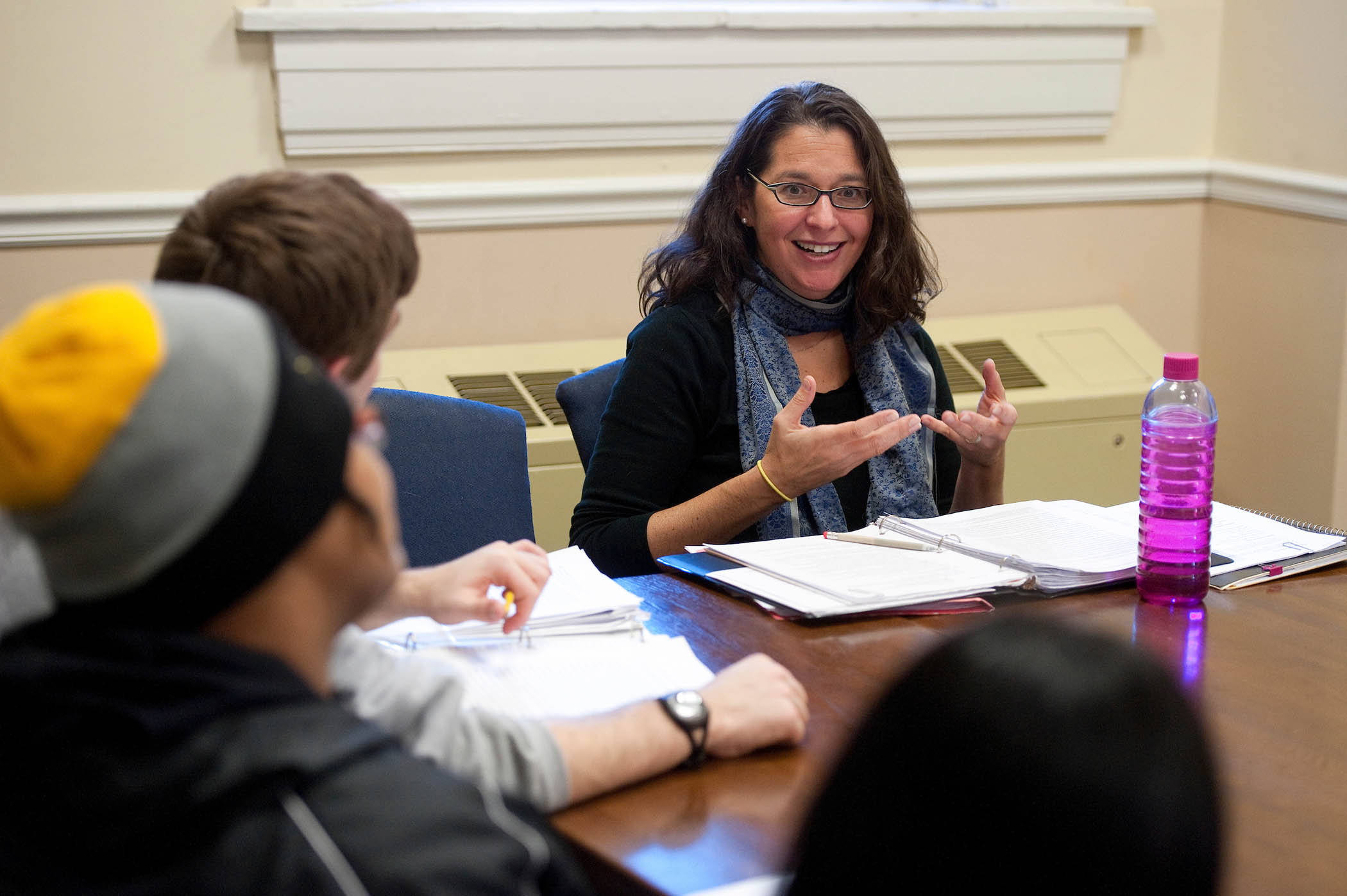 English professor Mara Amster leads a discussion group