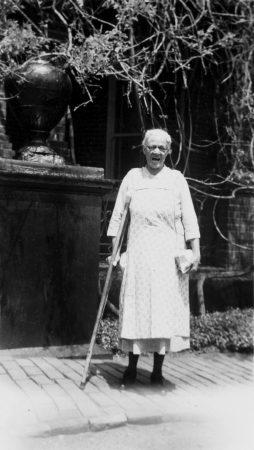"""""""Aunt"""" Maria Graves"""