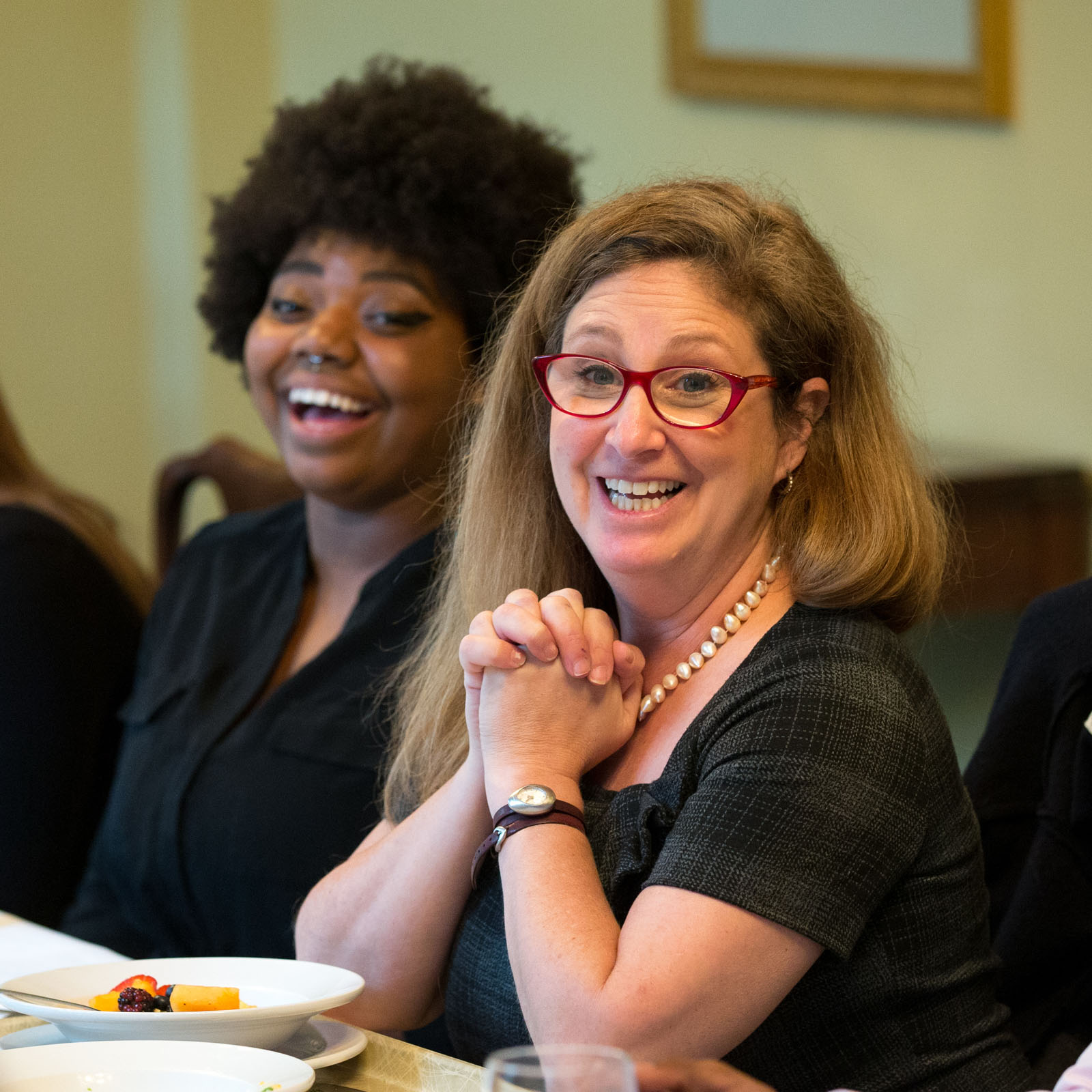 Lawyer and writer Dahlia Lithwick, contributing editor at Newsweek and senior editor at Slate, has lunch with students before a lecture at Randolph College.